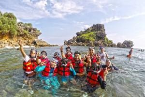 Snorkeling Pantai Nglambor