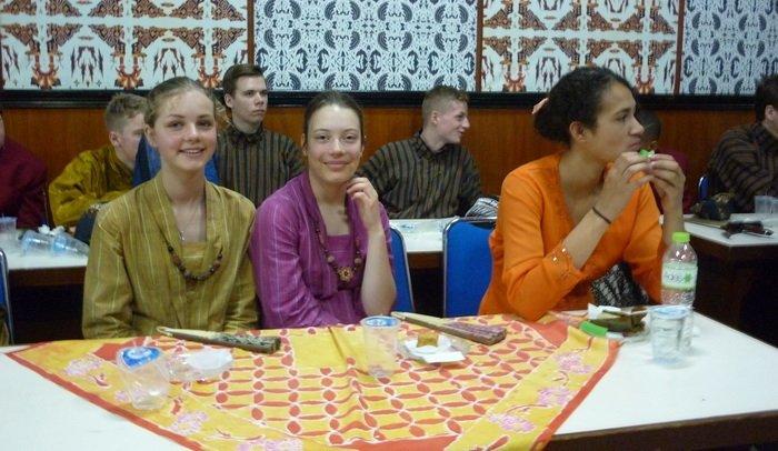 Kartinian di SMAN 9 Yogya, Pelajar Belanda Pakai Kebaya