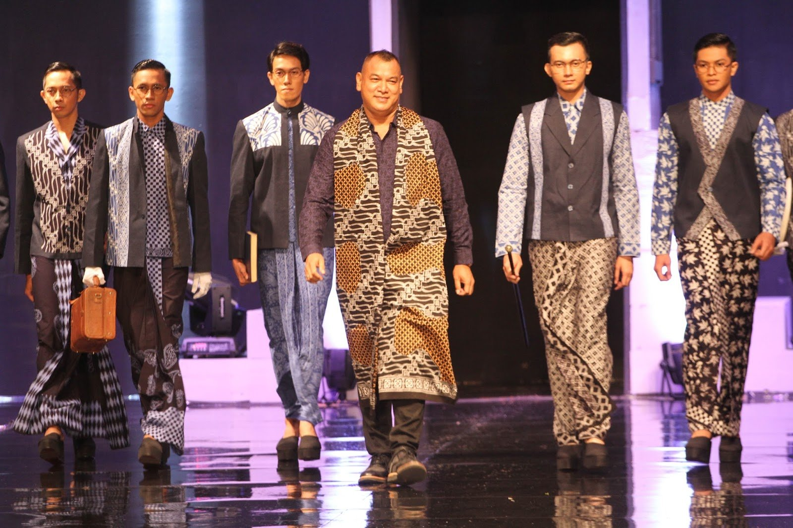 "Jogja Fashion Week"" 2016"