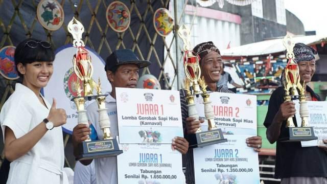 Pemenang Lomba Karnaval Gerobak Hias