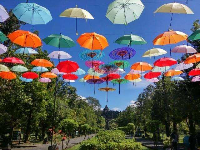 Payung Payung cantik di Borobudur