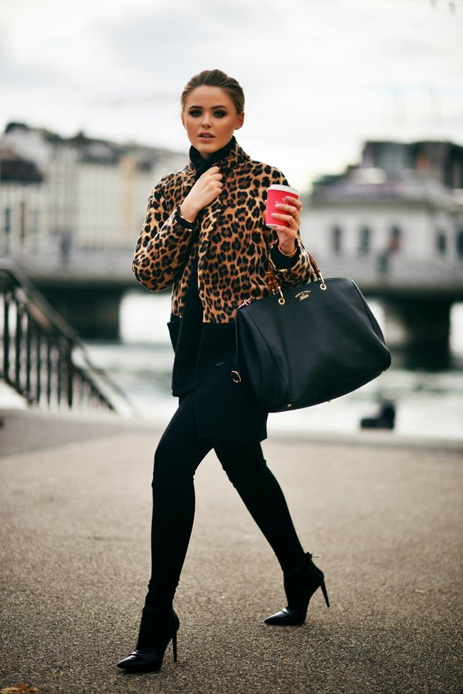 Outfits with Leopard Printed Leggings
