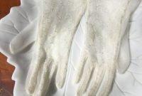 gloves to wear2